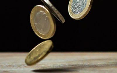 Spadek ryzyka sprzyja złotemu