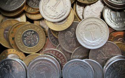 Złoty odrabia straty. KE odrzuca budżet Włoch